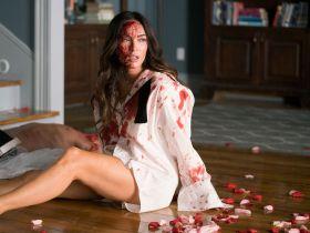 Till Death - przykuta do zwłok Megan Fox na pierwszych zdjęciach z filmu