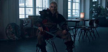 Assassin's Creed: Valhalla - potężny wiking Maul Cosplay w zabawnej reklamie