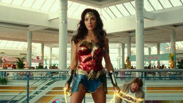 Wonder Woman 1984 - skąd krytyka filmu? Connie Nielsen zna odpowiedź