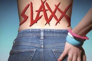 Slaxx - zwiastun komediowego horroru. Opętane jeansy mordują ludzi