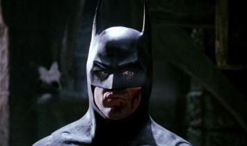 Flash - ruszyły prace nad filmem. Zdjęcia z planu w lokacji z Batmana z 1989 roku