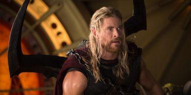Chris Hemsworth z synkiem na planie Thora. Rośnie nowy superbohater