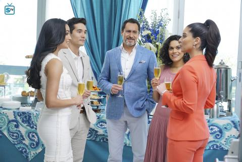 Grand Hotel: sezon 1, odcinek 1 - recenzja