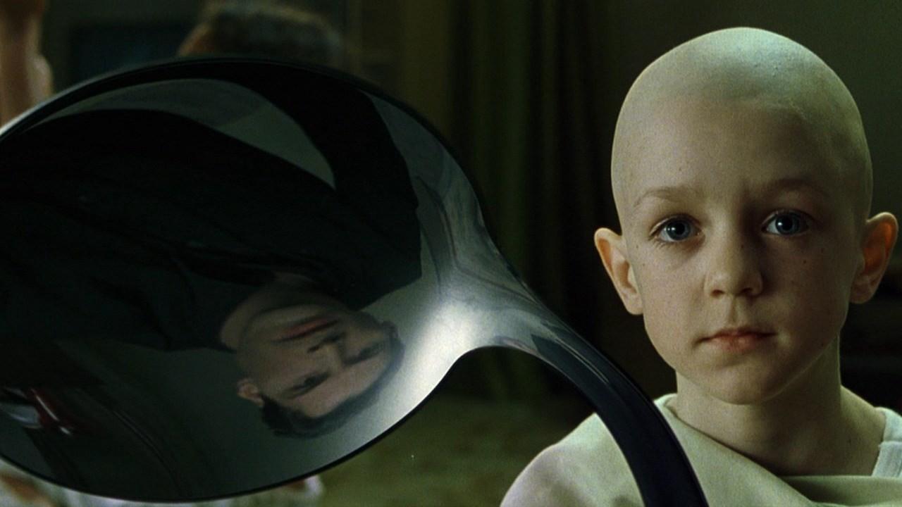 24. Chłopiec z łyżką - To on odblokował cały potencjał tkwiący w Neo. W komiksach i grach wideo posiadał zdolność teleportacji i przemieszczania przedmiotów za pomocą siły umysłu.