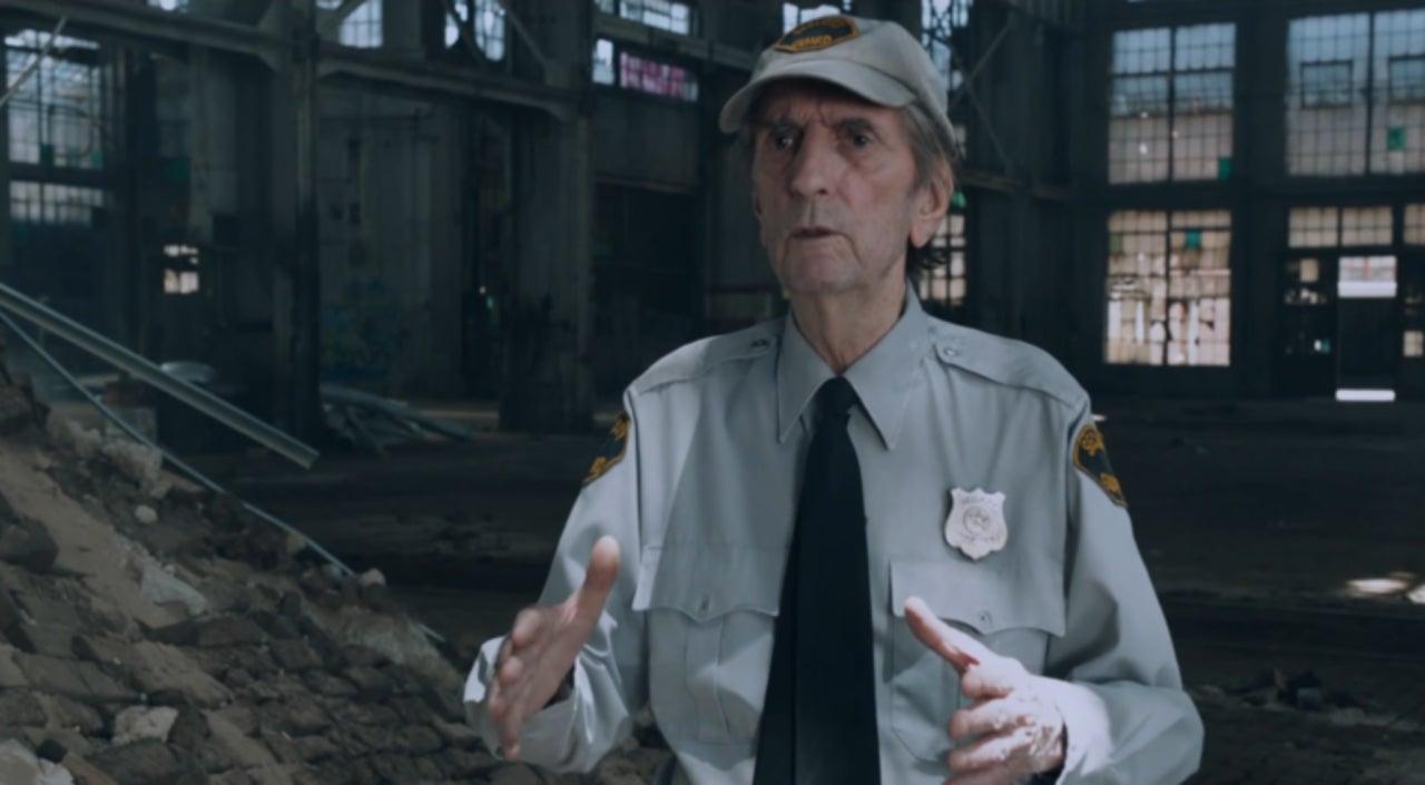 """Harry Dean Stanton - strażnik w filmie """"Avengers"""""""